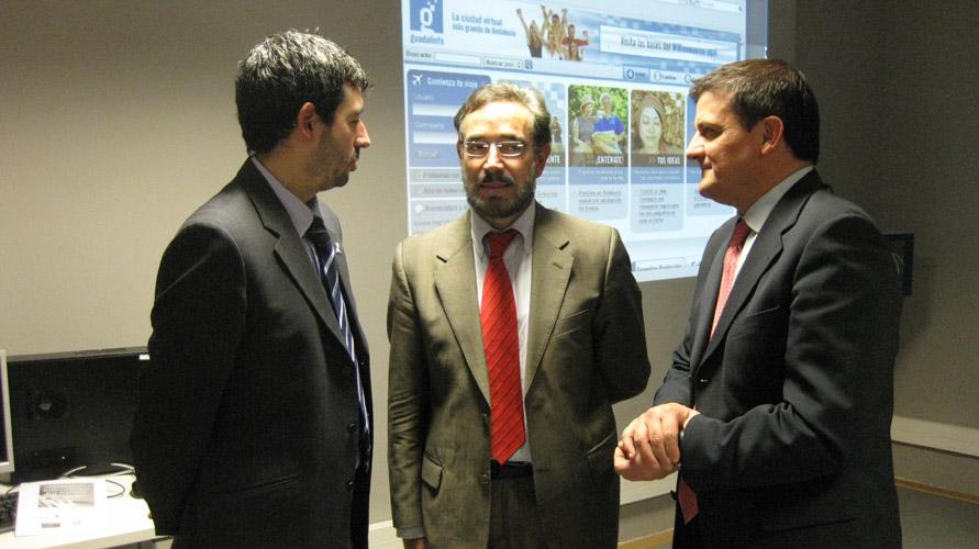 José Mª Ponte, vicepte. tercero de la Diputación de Granada; Felipe López, presidente de la Diputación de Jaén; y Juan Francisco Delgado, director general del Consorcio Fernando de los Ríos