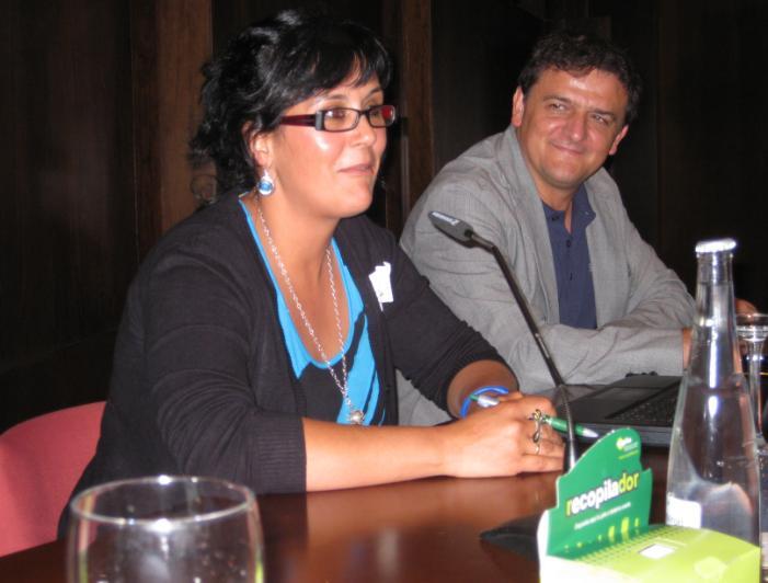 María José Cara, responsable de Jamones Abuxarra, y Juan Francisco Delgado, director del Consorcio Fernando de los Ríos.