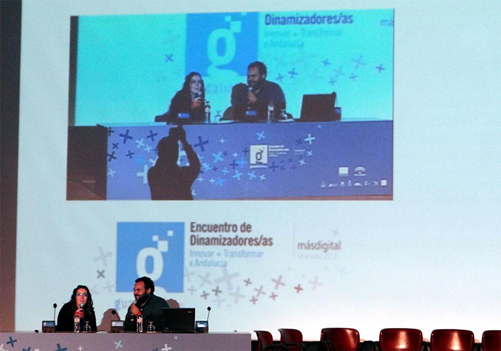 Carlos Jean, acompañado por Eva Piñar, durante la presentación de su Plan B.