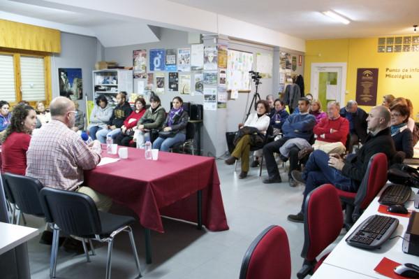 Café con Ciencia, en el centro Guadalinfo de Abla. (Foto: @pepechuchu)