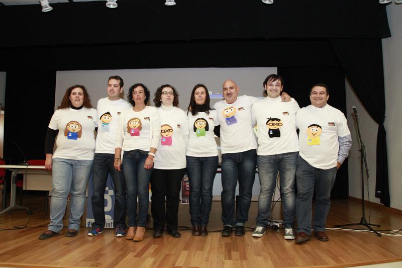 (De derecha a izquierda: Manuel Doña, Juan Antonio Sanchez, Miguel Montoya, Ángeles Moreno, María Dolores Jiménez, Carmen Orts, Francisco Javier Lao, Inmaculada Vargas)