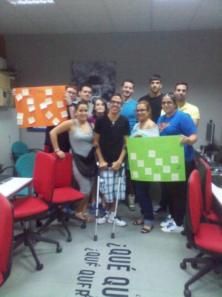 Grupo de jóvenes en el centro Guadalinfo Campillos