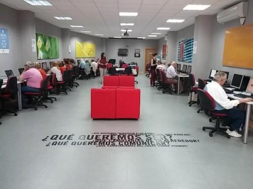 Momento del testeo de Vitrael en un centro Guadalinfo