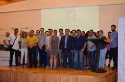 Los 50 becados en Guadalinfo Impulsa junto al director general del Consorcio Fernando de los Ríos, Ismael Perea