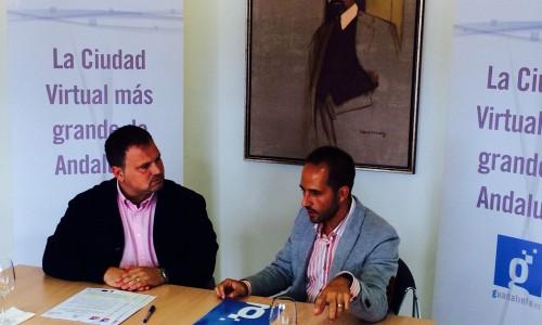 Ismael Perea y Juan Carlos Expósito en el acto de la firma