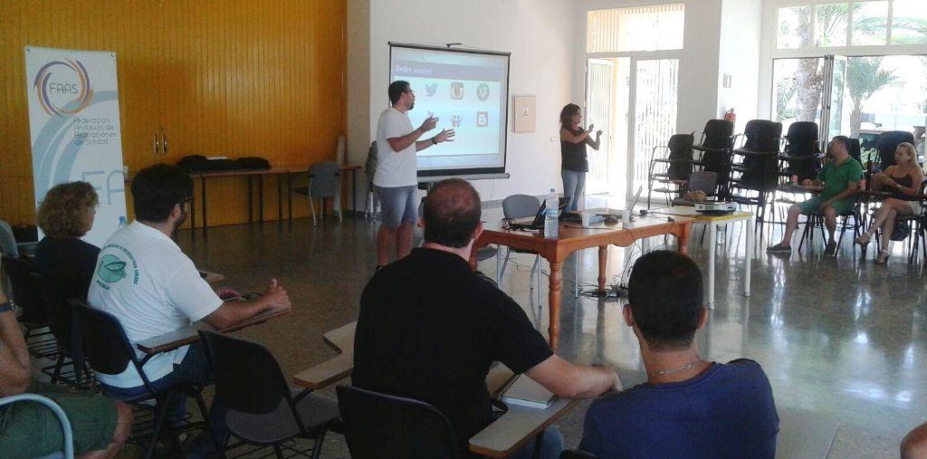 charla RRSS roquetas de mar federacion asociaciones personas sordas 2