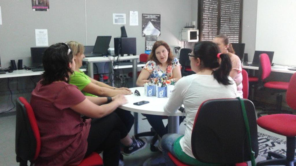Reunión Asoc. Mujeres en el Centro Guadalinfo de Orce