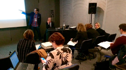 Momento de la mesa sobre el proyecto sobre economía colaborativa moderada por el Consorcio Fernando de los Ríos