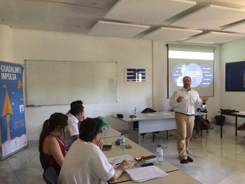 Momento de la charla: Innovación Social: nuevas formas de satisfacer las necesidades sociales