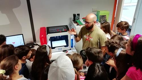 """Cuentos robotizados e impresión 3D en la """"Semana de la Innovación"""" de Marmolejo (Jaén)"""