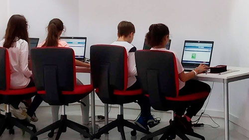 Competencias digitales para despertar vocaciones tecnológicas con Scratch